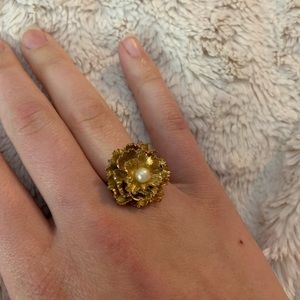 Vintage floral cocktail ring adjustable gold tone